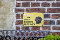 Hinweisschild, Vorsicht vor dem Hund