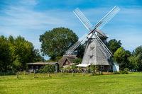 Mühle mit Cafe in Ahrenshop, Fischland-Darss, Mecklenburg-Vorpommern, Sommer 2020