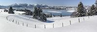 Winterlandschaft am Forggensee bei Füssen im Allgäu