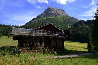Alpenlandschaft im Lechquellengebirge bei Lech am Arlberg