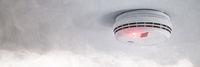 Rauchmelder bei Feueralarm als Brandschutz Warnung