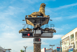 Säbelzahntiger Ampel in der Stadt Krabi