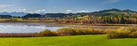 Panorama Landschaft im Allgäu mit idyllischem See