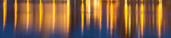 Hintergrund goldenes Wasser