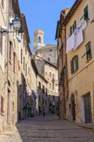 Walking up to the Town Hall - Volterra