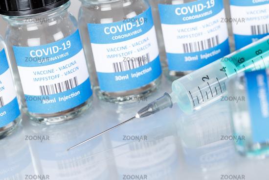 Impfstoff Coronavirus Corona Virus Spritze COVID-19 Covid Impfung Vaccine
