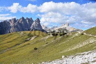 Die Berge rund um die Drei Zinnen