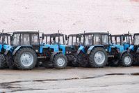 Einige Traktoren auf Lager.