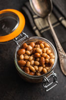 Mix of legume beans and chickpeas with sauce.