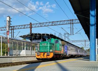 Passagierzug im Bahnhof in Kolobrzeg