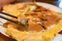 Taiwanese snack of oyster omelet