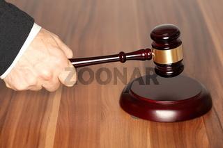 Symbol für Gerichtsentscheidung
