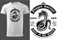 Weißes Hemd mit schwarzem Drachendruck und Beschriftung