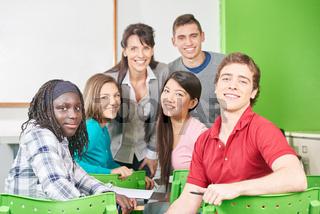 Gruppe Teenager als Schüler