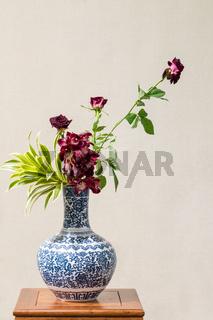 beautiful oriental style flower arrangement