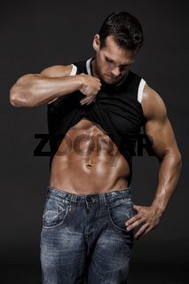 Showing the abdominals
