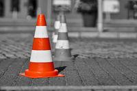 Colorkey, Verkehrskegel an einer Baustelle