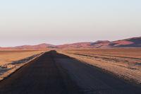 Strasse in der Namib Wueste