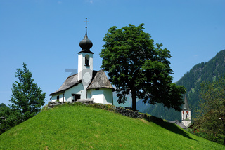 Kirche auf Huegel in Gaschurn, Montafon,