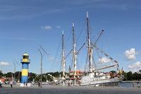 Das Schulschiff Großherzogin Elisabeth aus Elsfleth im Hafen von Eckernförde