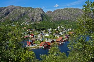Das Dorf Ana-Sira am Fluss Sira,Norwegen