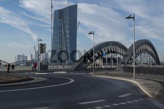 Europäische Zentralbank mit Großmarkthalle