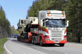 Scania Truck Hauls Crushing and Screening Plant