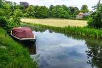 Am Kanal unterwegs in Holland