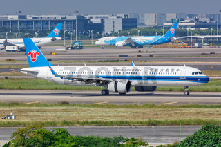 China Southern Airlines Airbus A321neo Flugzeug Flughafen Guangzhou in China