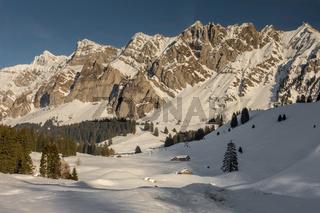 Alpsteinmassiv mit Säntis im Winter, Kanton Appenzell-Ausserrhoden, Schweiz