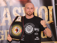 Profi Boxer Roman Gorst Deutscher Meister im Schwergewicht mit Meistergürtel bei der PK zur SES-Boxing-Gala am 22.09.2020 in Magdeburg