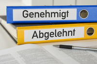 Folders with the label Approved and Rejected - Genehmigt und Abgelehnt (German)