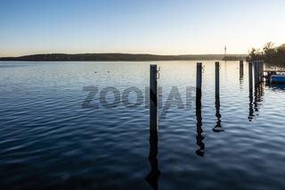 See mit Fernmeldeturm im Winter, lake with telecommunication tower in Winter