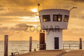 Leuchtturm an der Mole in Dagebüll, Nordfriesland, Schleswig-Holstein, Deutschland