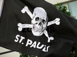 Totenkopflagge 'St. Pauli' in Hamburg
