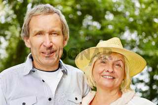 Frau und Mann als Paar Senioren