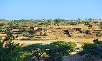 Bauerngehöft in der Halbwüstenebene der Region Hawzien, Tigray, Äthiopien