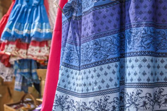 Provencal fabrics on the market in Gordes
