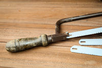 Eine alte Handbügelsäge