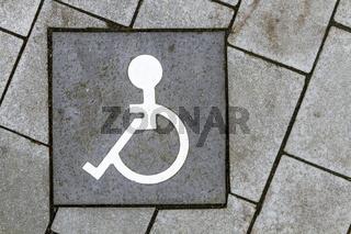 Zeichen fuer Rollstuhlfahrer