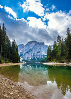 Travel to the  Lago di Braies