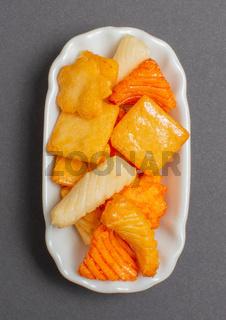 ASIA Hot Cracker in einer weißen Schale für die Food Fotografie