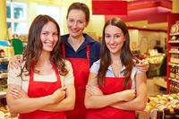 Mitarbeiter im Supermarkt