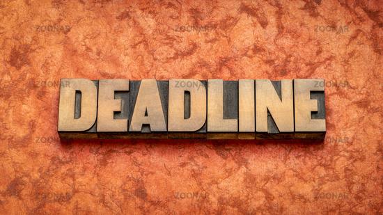 deadline word in wood type