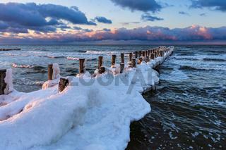 Buhne an der Ostseeküste in Zingst im Winter