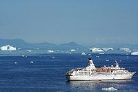 Kreuzfahrtschiff Astor in Ilulissat
