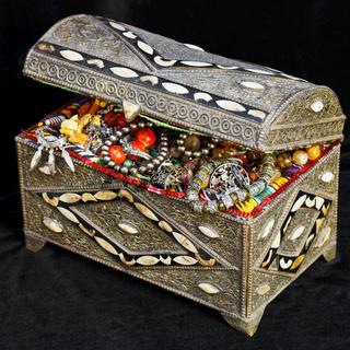 ancient arabic treasure chest