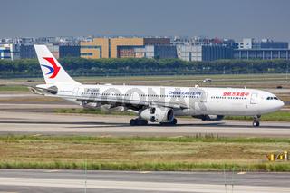 China Eastern Airlines Airbus A330-300 Flugzeug Flughafen Guangzhou in China