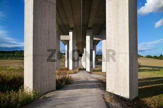 Autobahn Unterführung