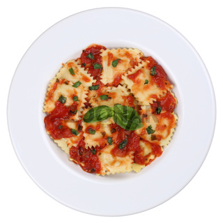 Italienische Nudeln Ravioli Pasta Gericht mit Basilikum Freisteller